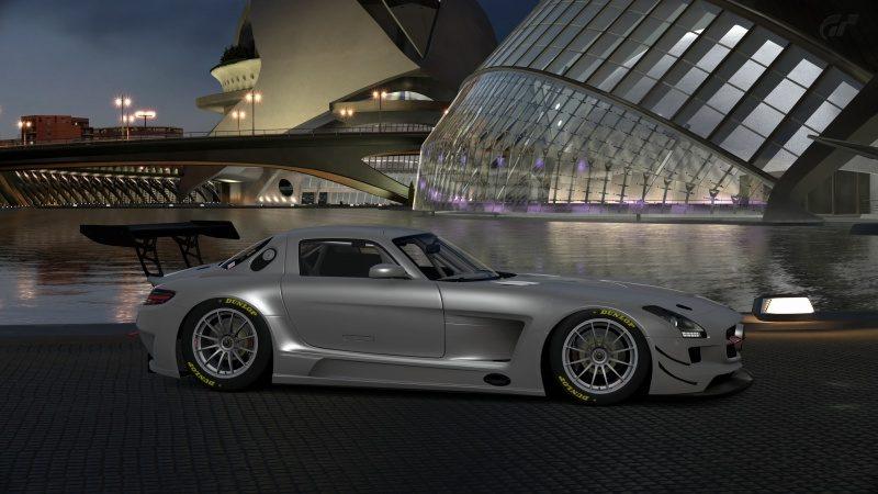 Mercedes-Benz SLS AMG GT3 '11 (1).jpg