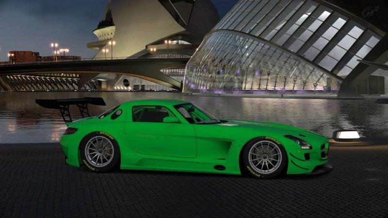 Mercedes-Benz SLS AMG GT3 '11 (10).jpg