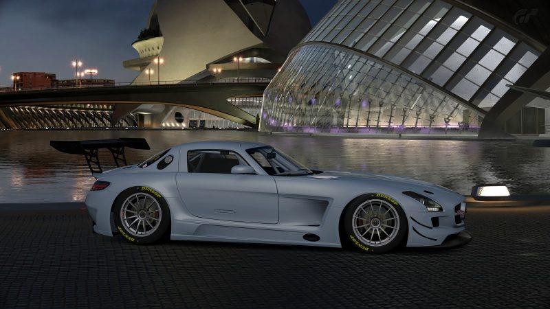 Mercedes-Benz SLS AMG GT3 '11 (14).jpg