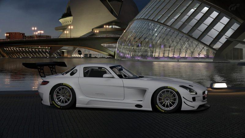 Mercedes-Benz SLS AMG GT3 '11 (2).jpg