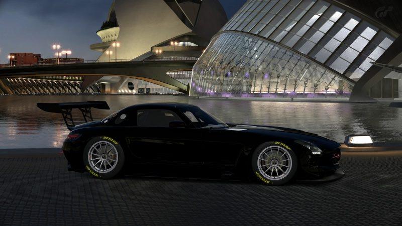 Mercedes-Benz SLS AMG GT3 '11 (4).jpg