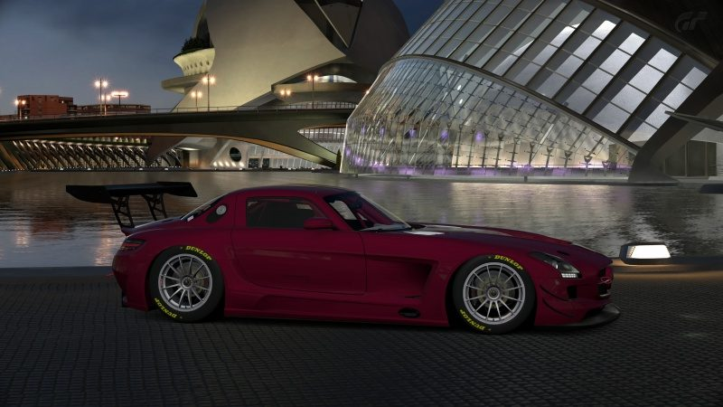 Mercedes-Benz SLS AMG GT3 '11 (5).jpg