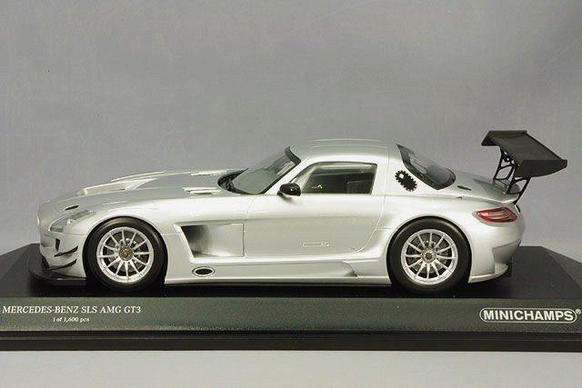 Mercedes-Benz SLS AMG GT3-MiniChamps 1.18 Replica 3.jpg