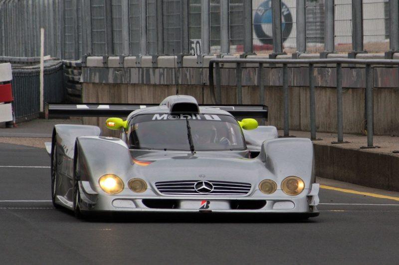 Mercedes-Benz_CLR_front_2009_Nurburgring.jpg