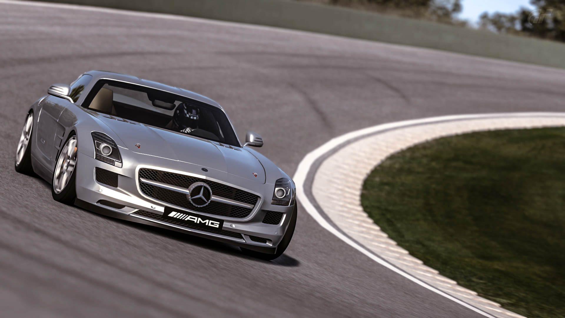 Mercedes_SLS_AMG_06.jpg