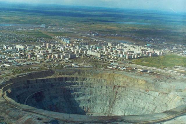 Mirny Diamond Mine.jpg