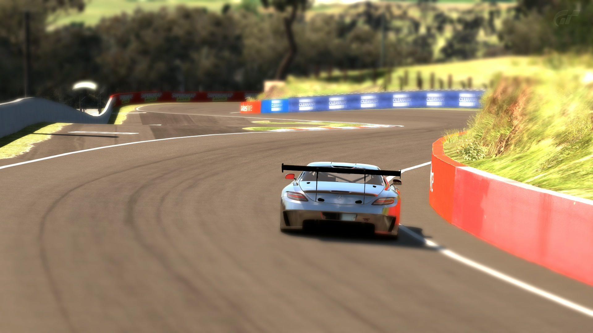 Mount Panorama Motor Racing Circuit_7 (2).jpg