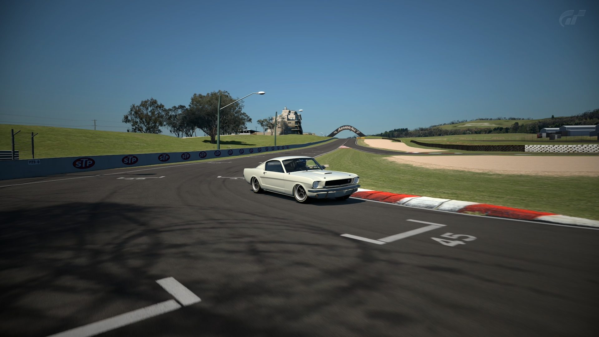 Mount Panorama Motor Racing Circuit_8.jpg