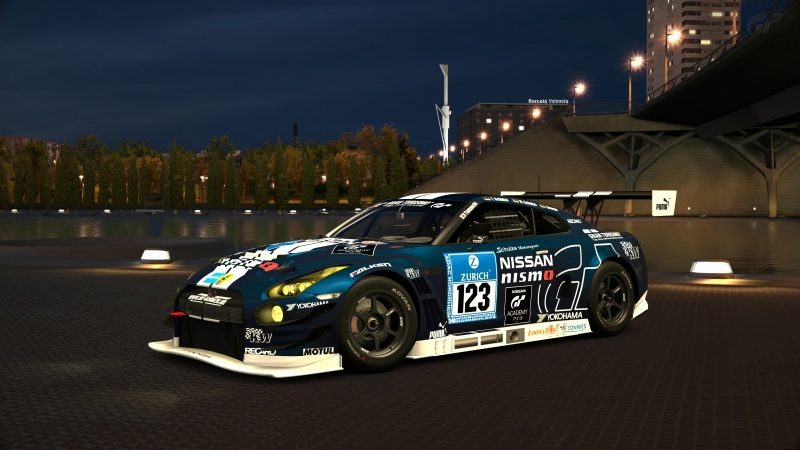 Nissan GT-R NISMO GT3 N24 Schulze Motorsport '13-At City of Arts and Sciences Night.jpg