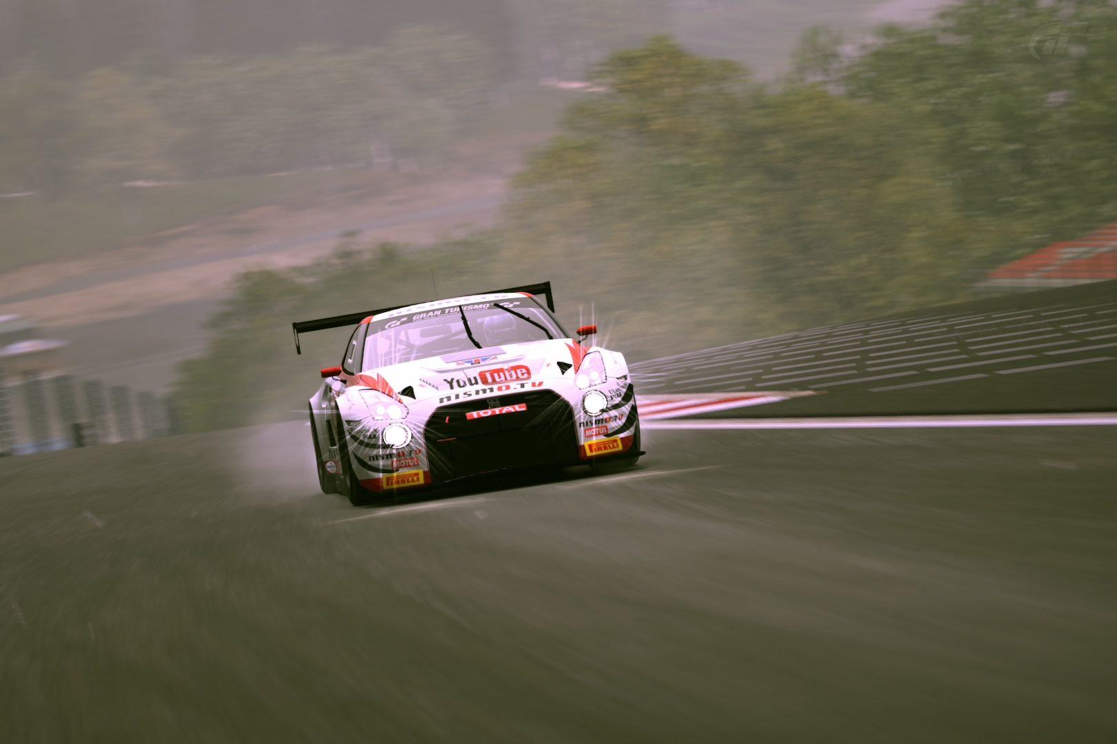 Nissan GT-R Nismo GT3 Team RJN '13 (Car).jpg