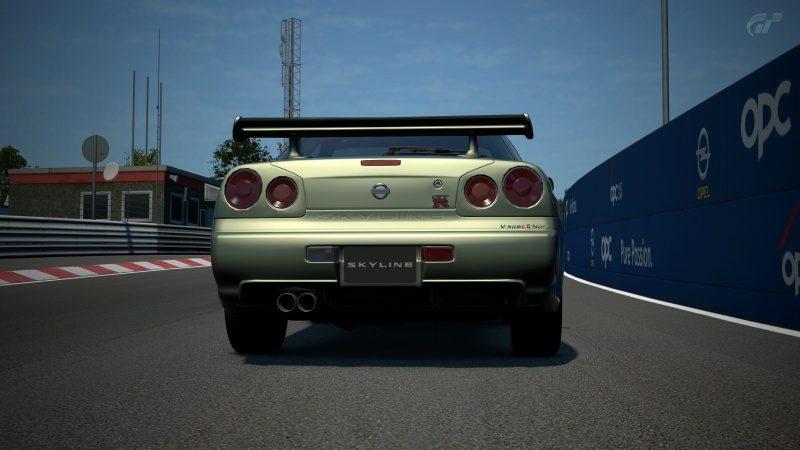 Nissan SKYLINE GT-R V-spec II Nür (R34) '02 Millennium Jade (M) Pure Stock 2.jpg