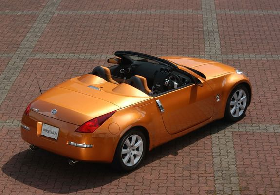 nissan_fairlady_2003_pictures_1_b.jpg
