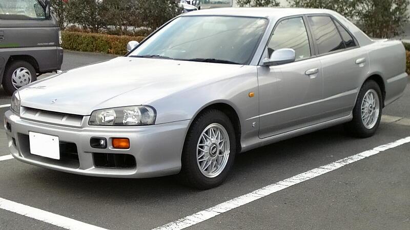 Nissan_Skyline_1998.jpg