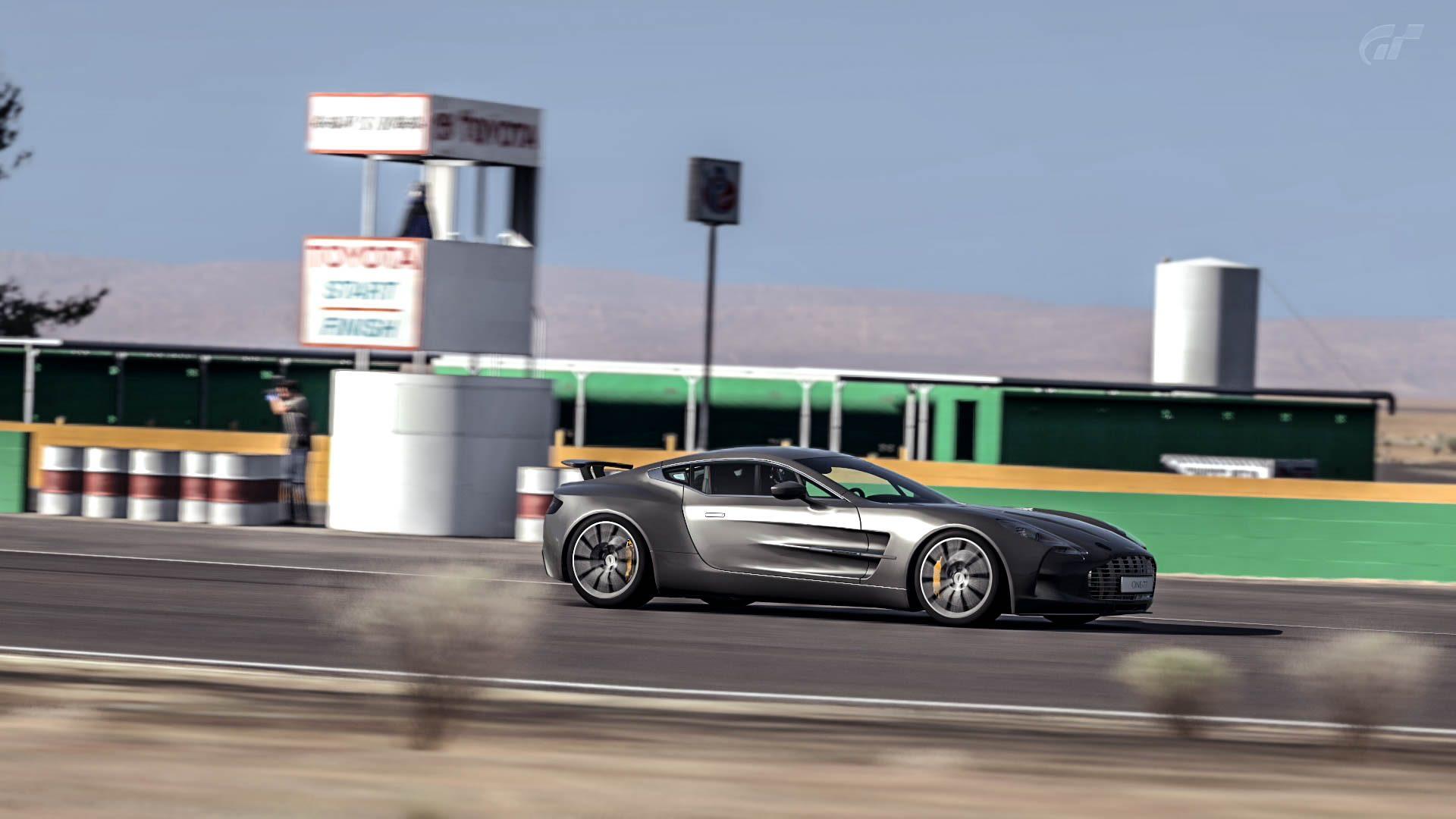 One77_Aston_8.jpg