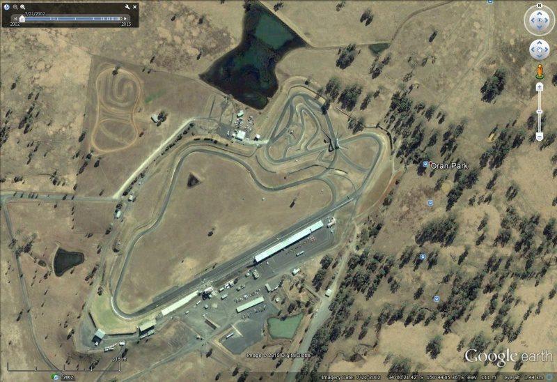 Oran Park Raceway.jpg