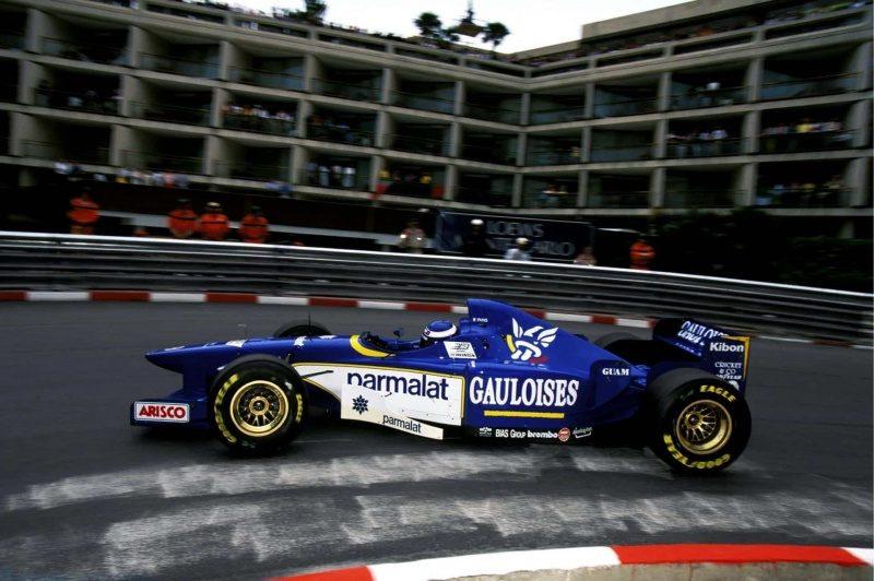 Panis-Ligier-Monaco-F1-1996-Foto-imgur.jpg
