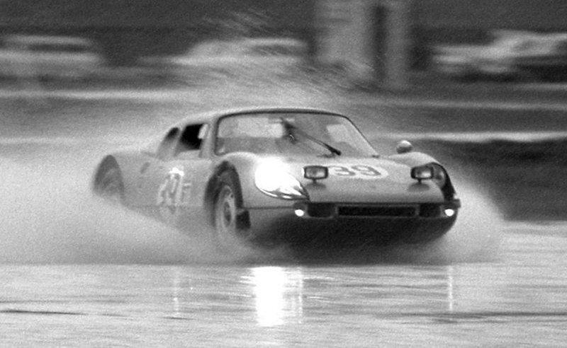 Porsche-904-at-Sebring.jpg