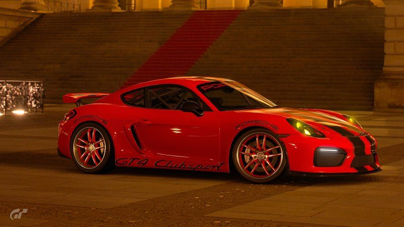 Porsche GT4 3.jpg