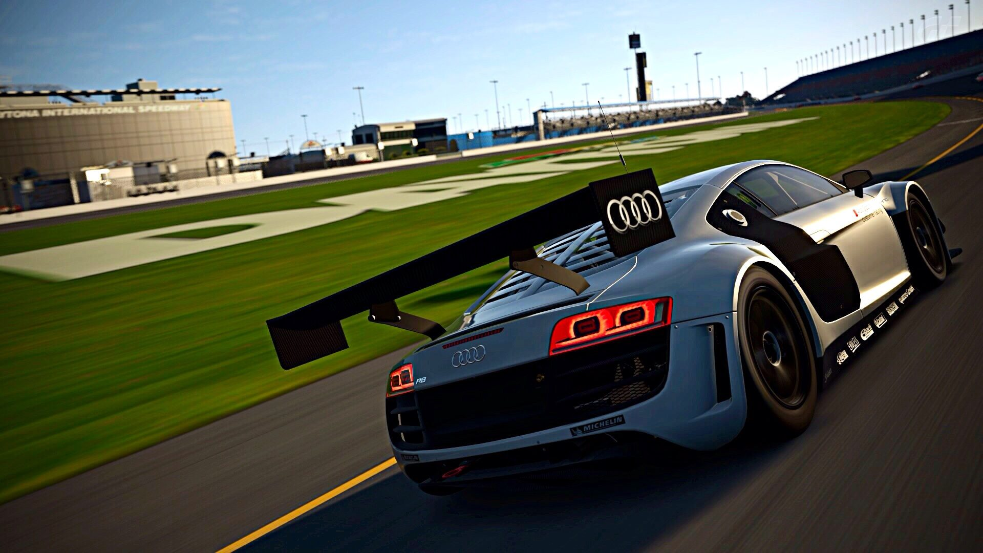 R8 LMS Daytona Road Course (3).jpg