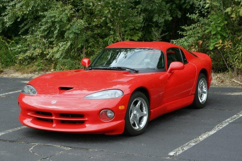 Red_Dodge_Viper_GTS.jpg