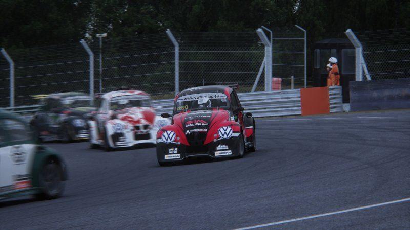 Screenshot_vw_beetle_fun_cup_ks_brands_hatch_12-6-121-0-11-51.jpg