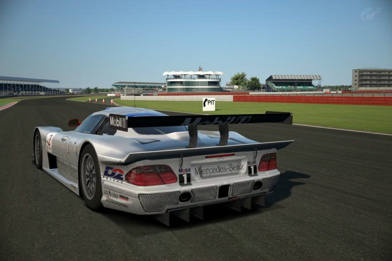 Silverstone Grand Prix Circuit_5.jpg