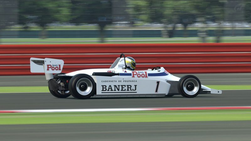 Silverstone National Circuit_12.jpg