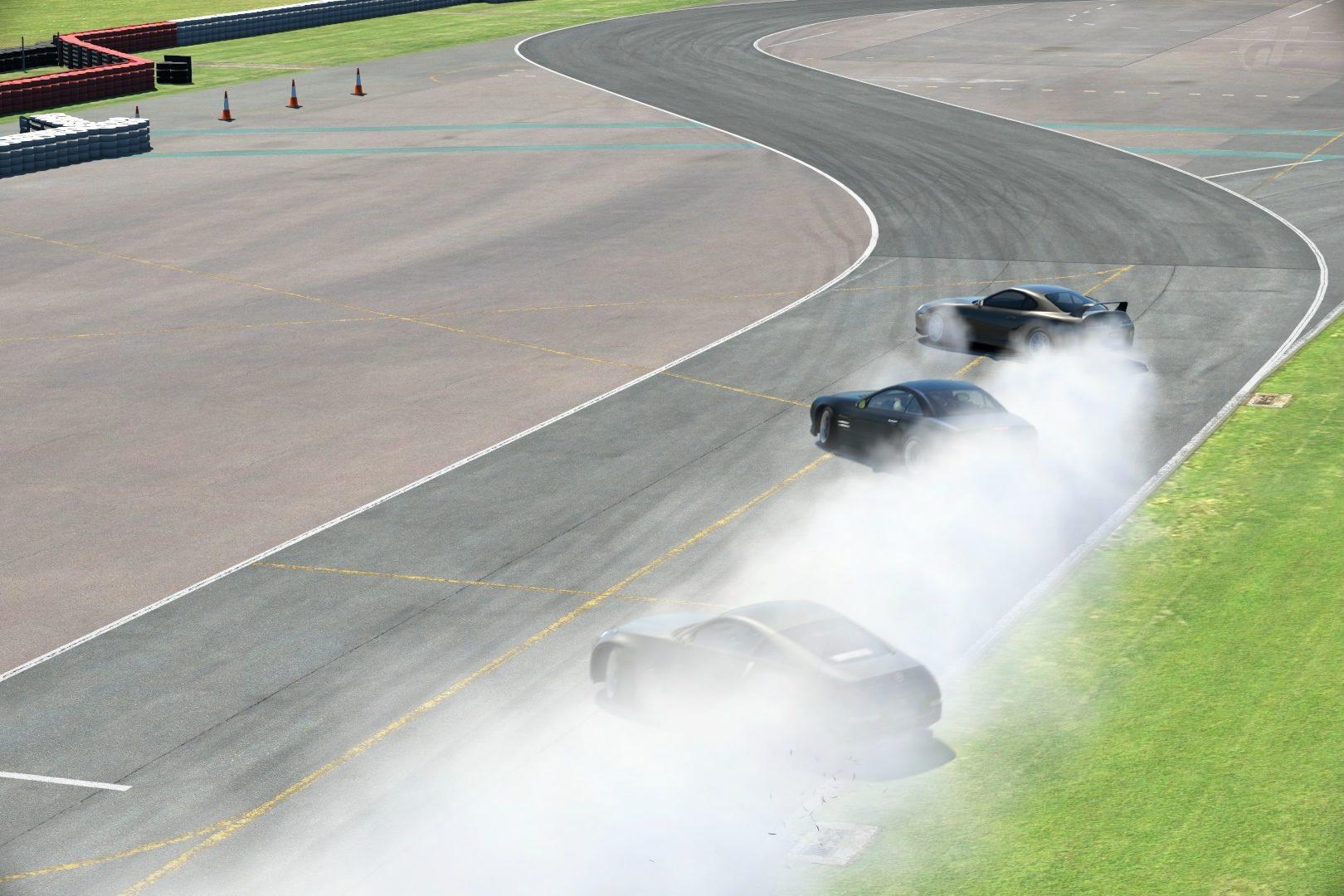 Silverstone The Stowe Circuit_16.jpg