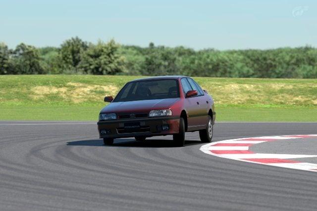 Silverstone_ Stowe Circuit.jpg