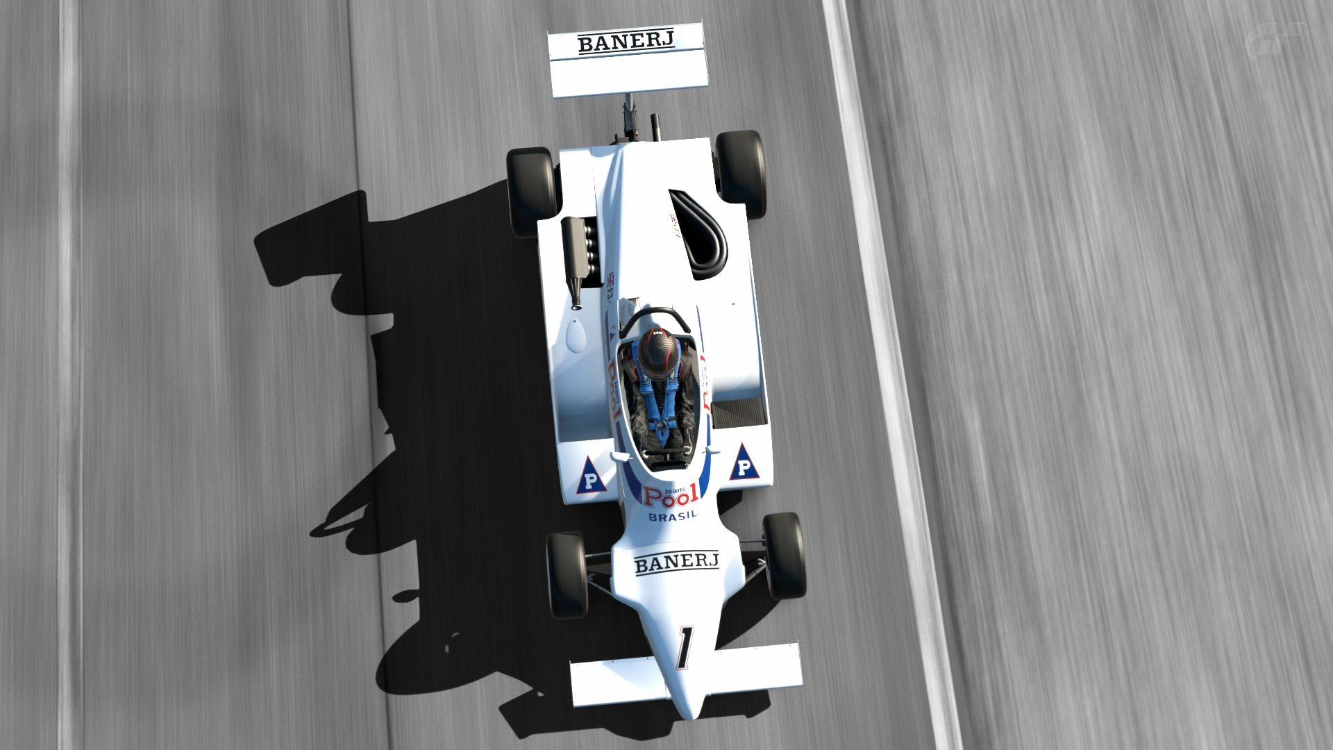 Silverstone_ Stowe Circuit_6.jpg