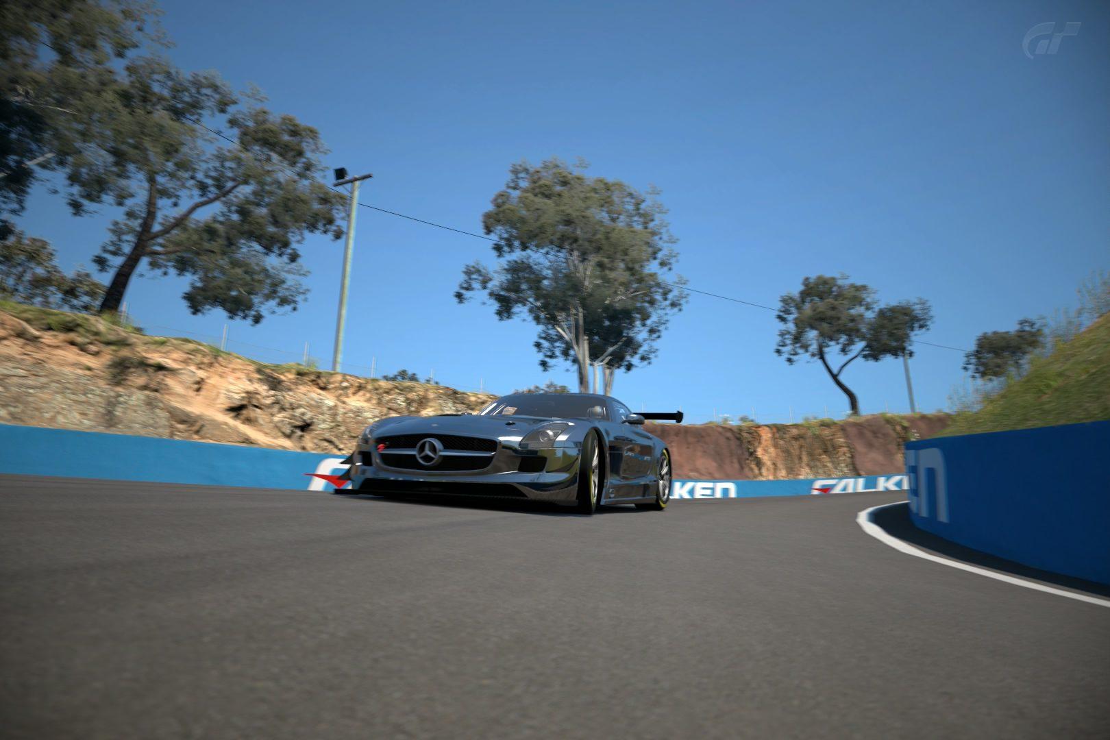 SLS AMG GT3 Mount Panorama Motor Racing Circuit (2).jpg