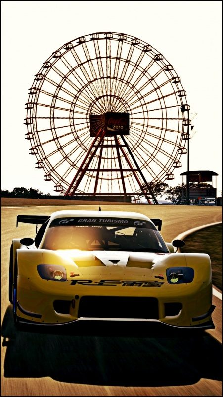 SuCi2014_26-RE Amamiya RX7 GT300 and ferris wheel.jpg