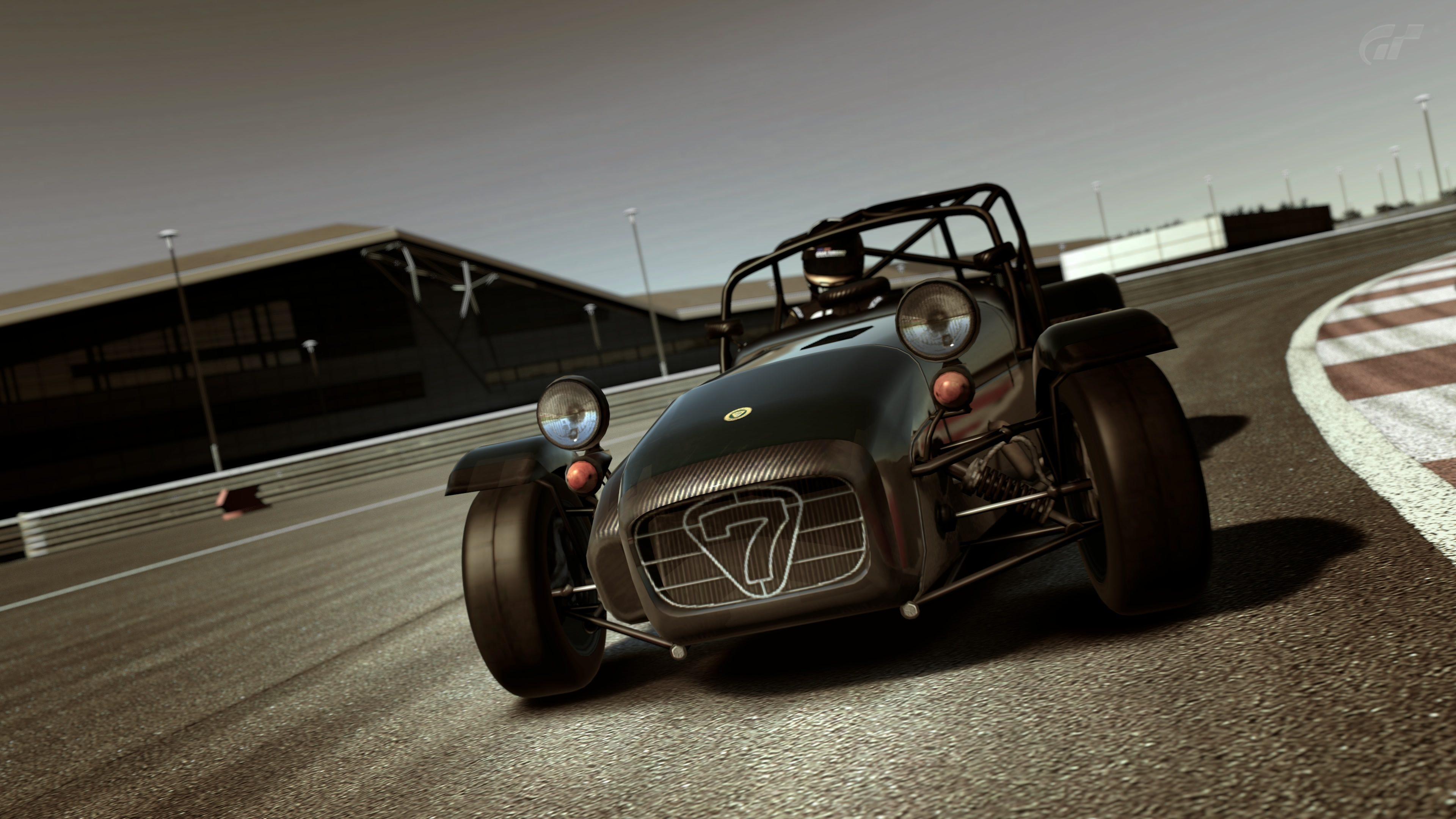 Super7 Silverstone 1.jpg