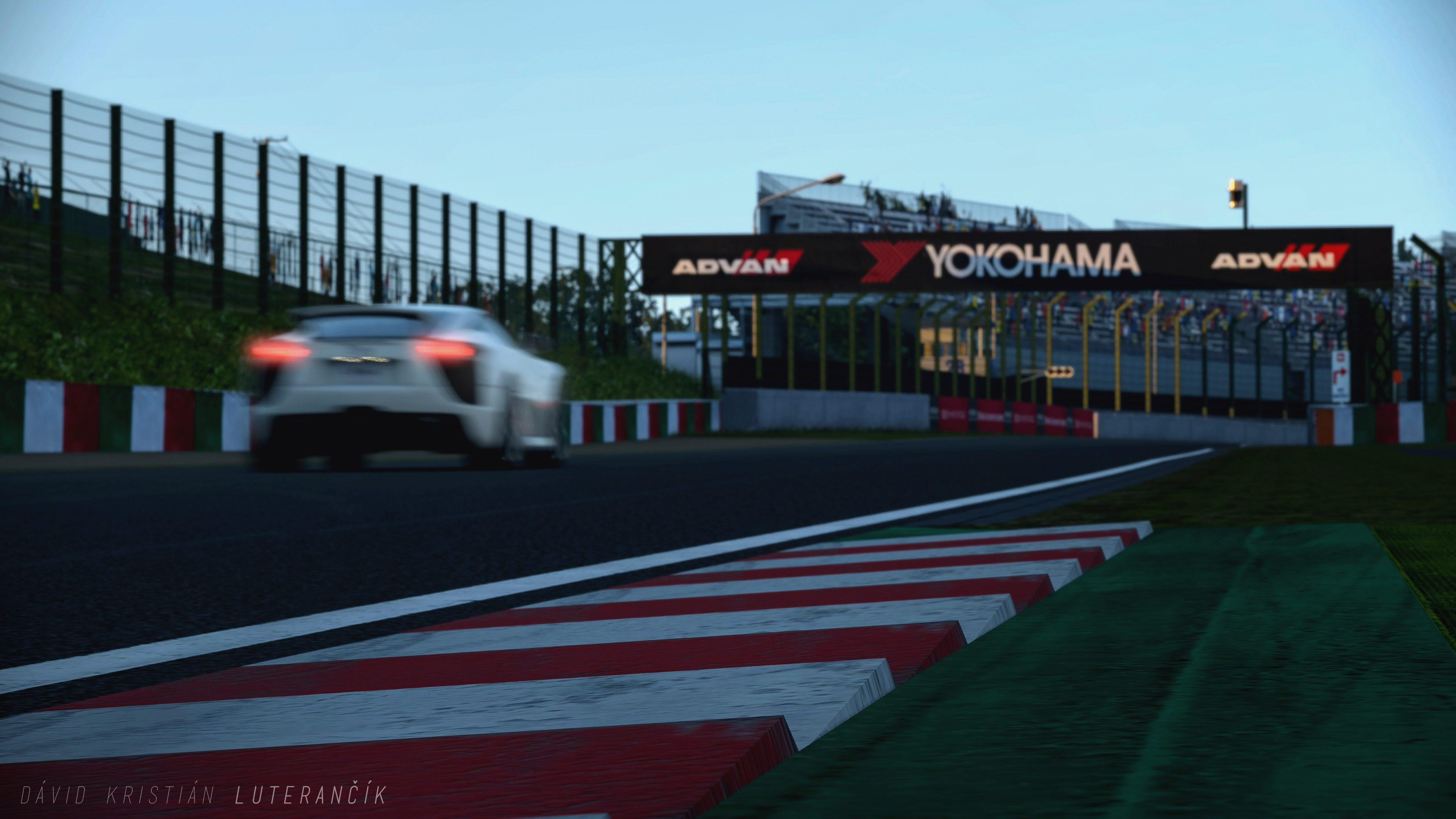 Suzuka Circuit 2014-18E.jpg