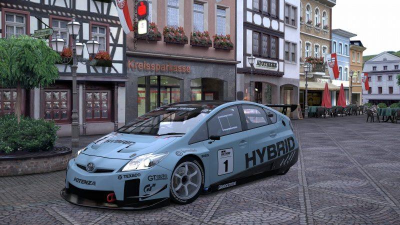 Toyota PRIUS TC.jpg