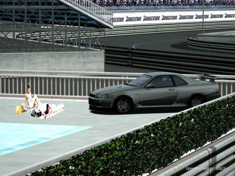 Two Pool Girls With Nissan GT-R Wall Breach Glitch At Côte d'Azur 1.JPG