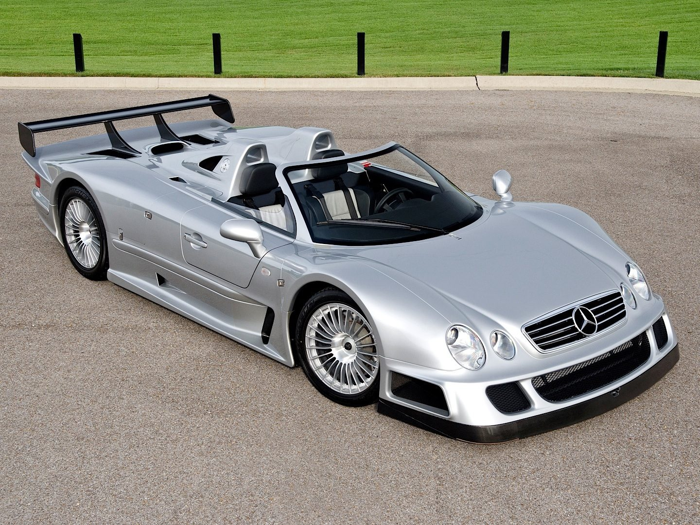 ultra-rare-clk-gtr-roadster-up-for-sale-photo-gallery_11.jpg