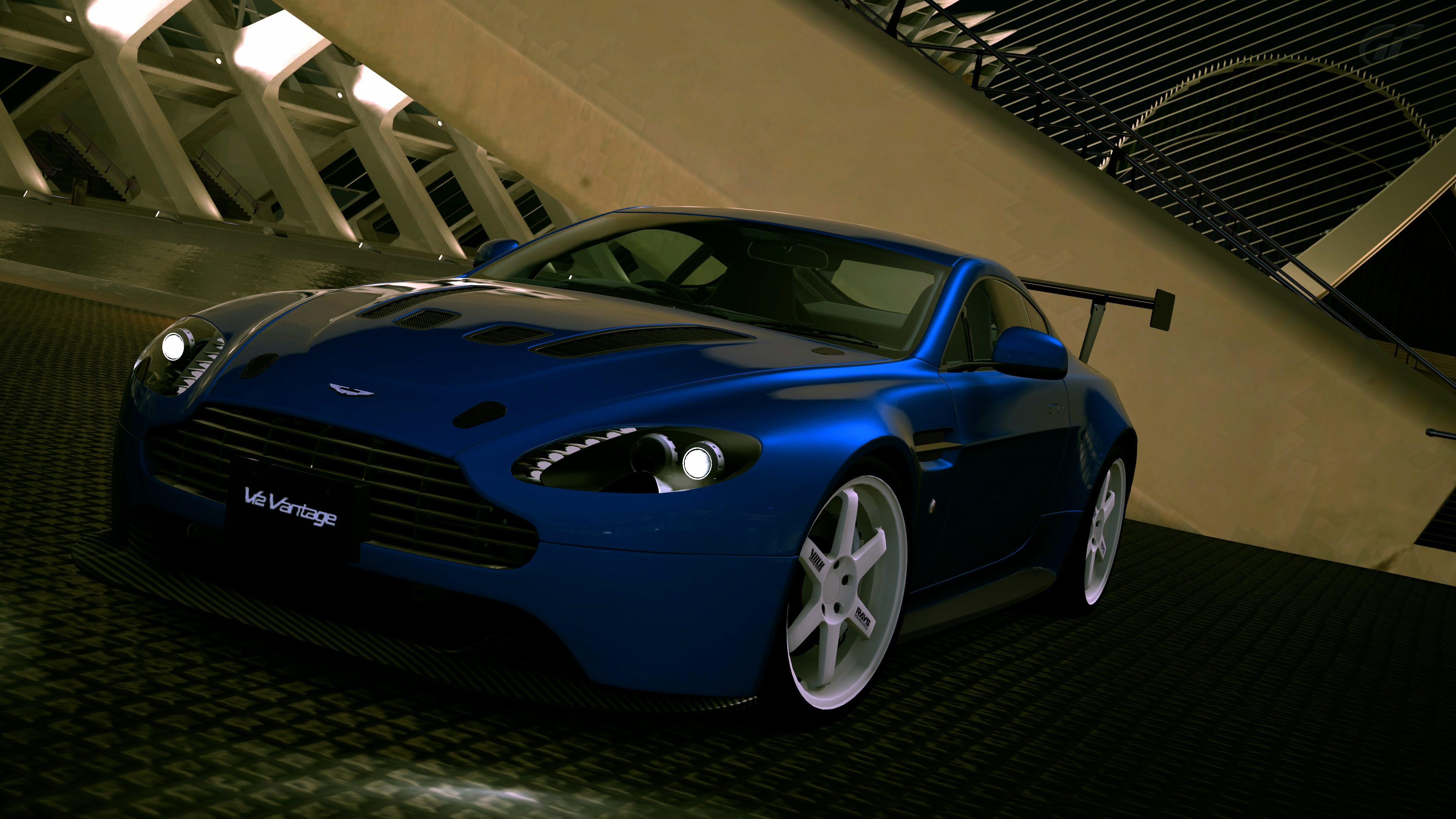 V12 Vantage F.jpg