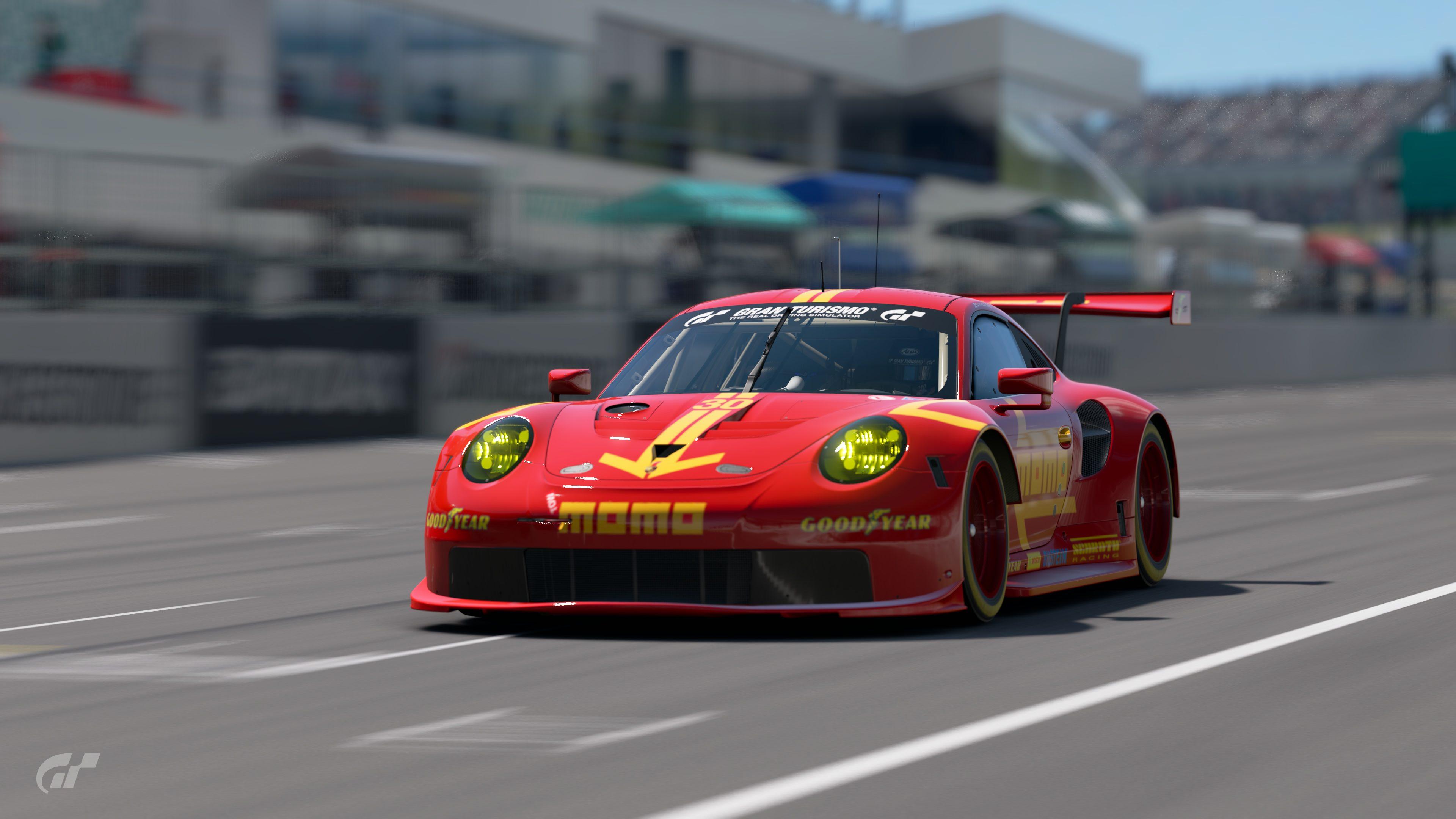 Momo Porsche At Suzuka 2