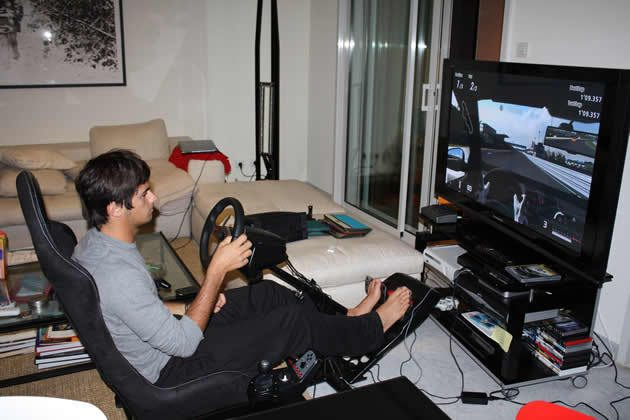 nelson-piquet-jr-plays-gt5p