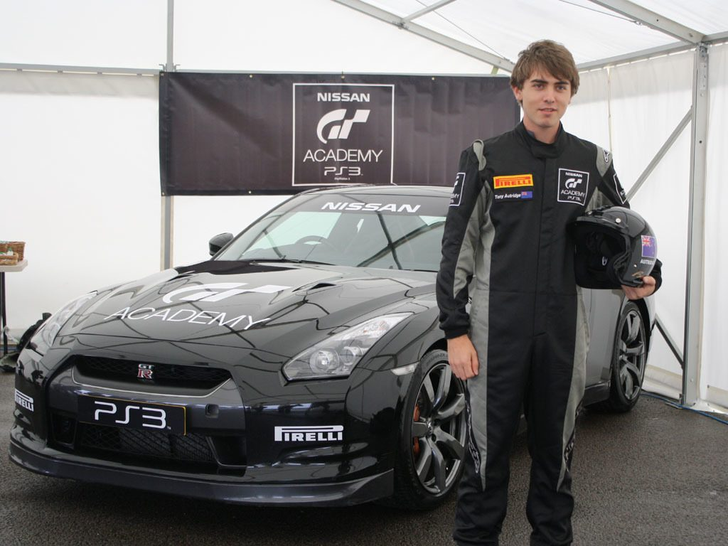 TIZZLAA and the GT-R