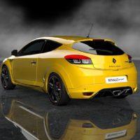 Renault_Sport_Megane_RS_Trophy_11_73Rear