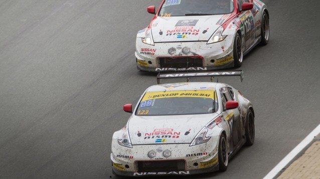 2014 24 hours of dubai gt academy racing on track