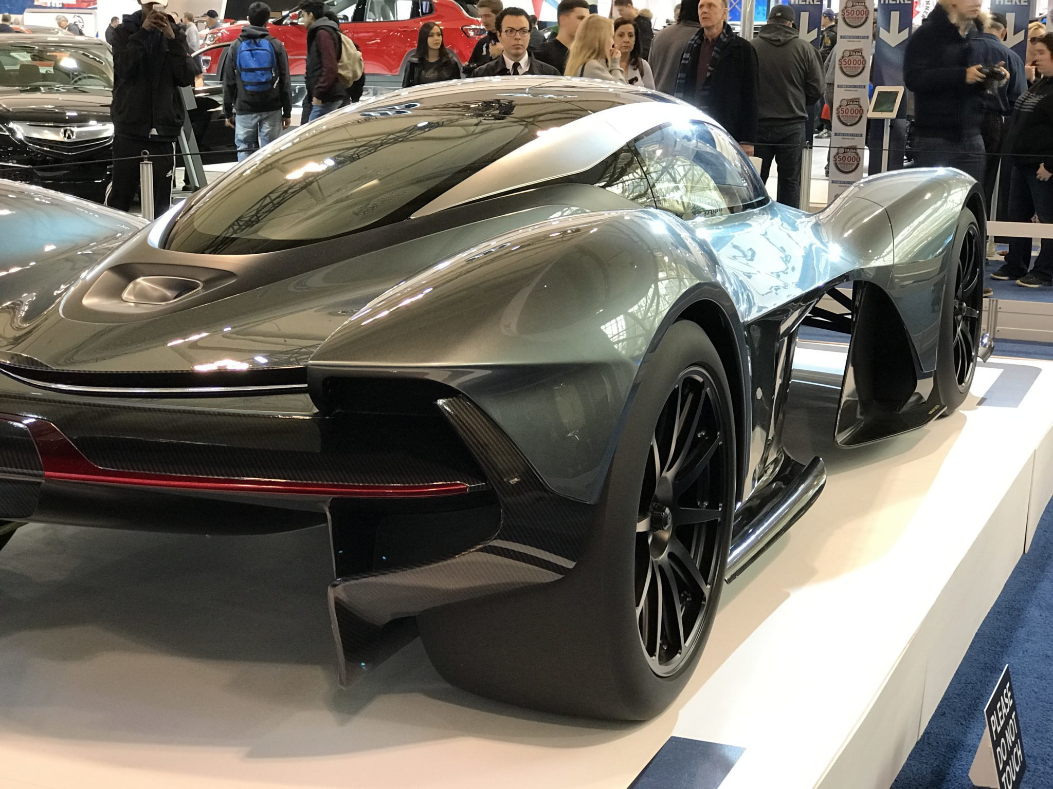 aston martin am rb 001 will be powered by cosworth makes debut in canada. Black Bedroom Furniture Sets. Home Design Ideas