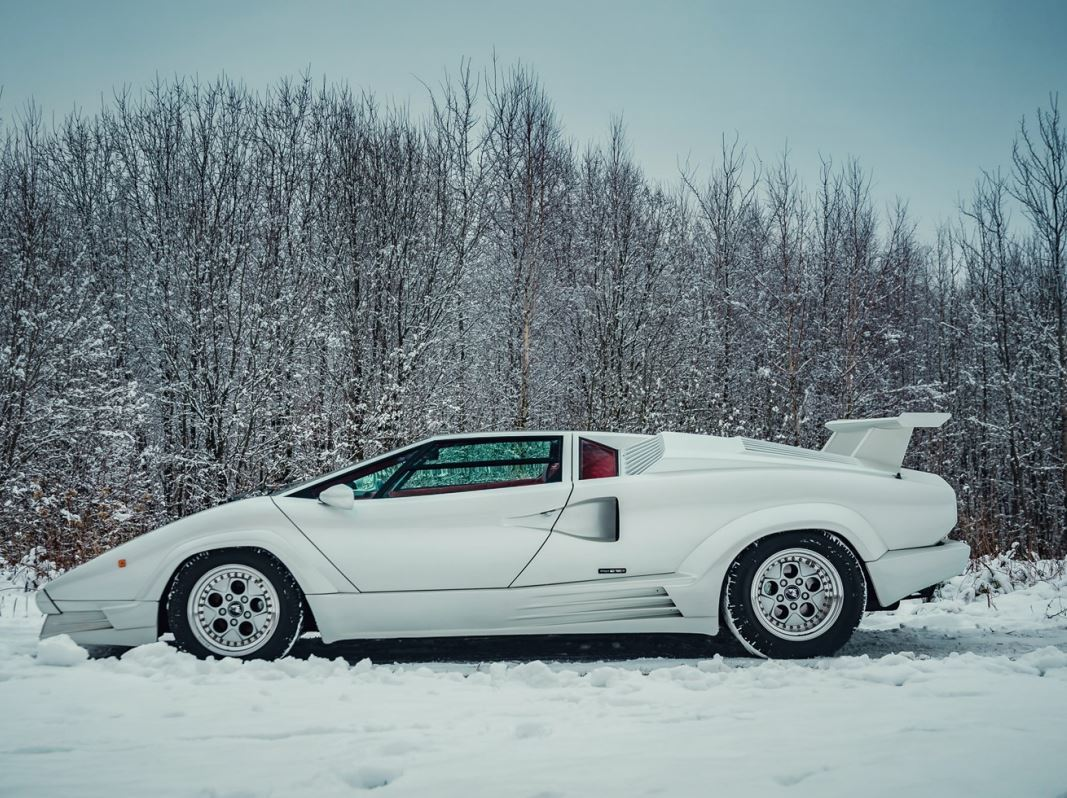 this 25th anniversary lamborghini countach is what bedroom. Black Bedroom Furniture Sets. Home Design Ideas