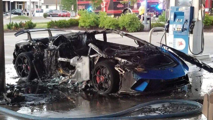 Performante In Flagrante As Lamborghini Burns In Gas Station Accident