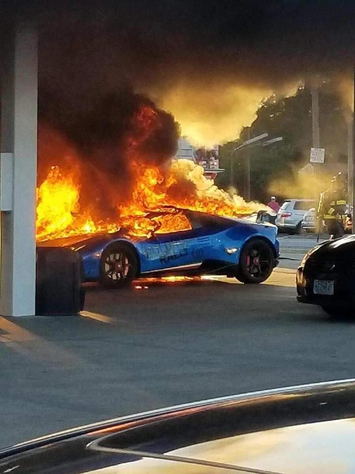 Town And Country Toyota >> Performante In Flagrante as Lamborghini Burns in Gas
