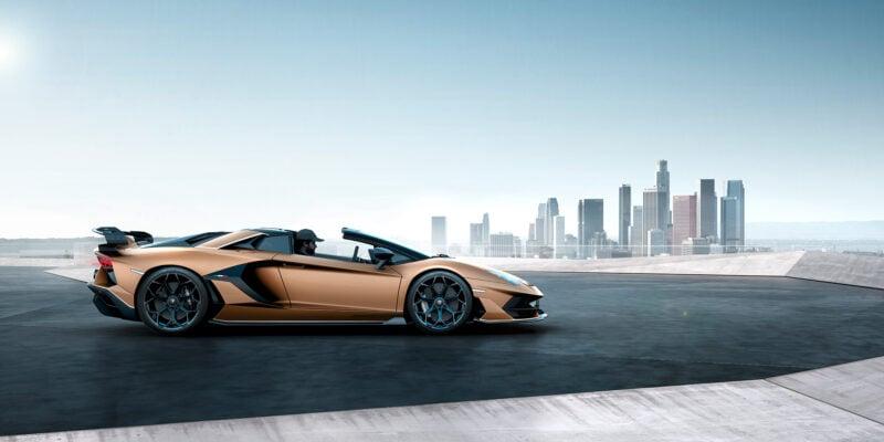 The Lamborghini Aventador Svj Roadster Is A 217mph Open Top Torpedo