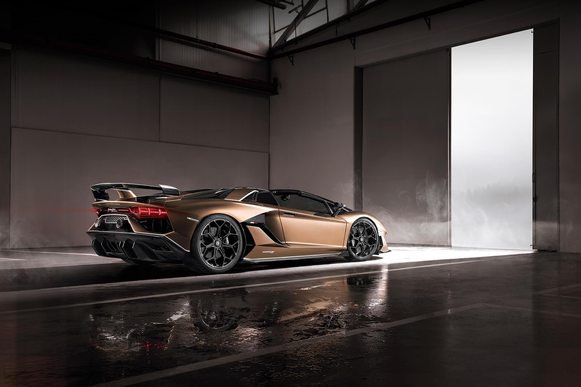 The Lamborghini Aventador Svj Roadster Is A 217mph Open