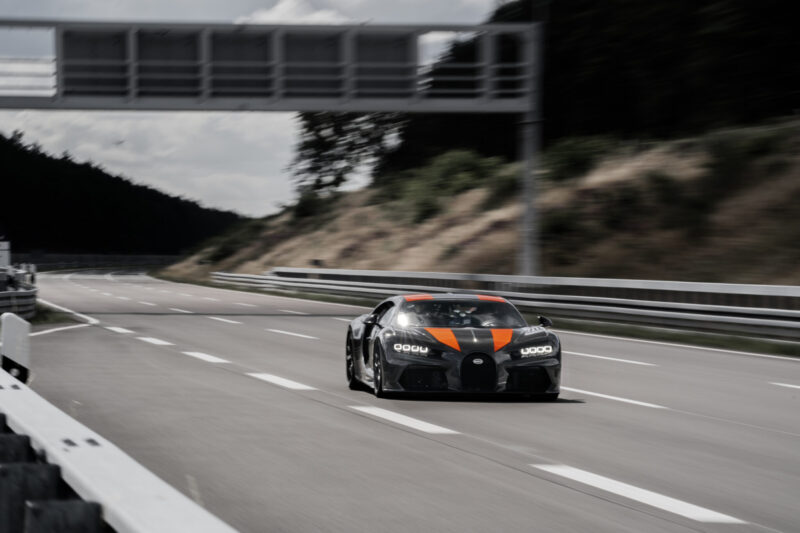Bugatti breaks through 300mph barrier with prototype Chiron